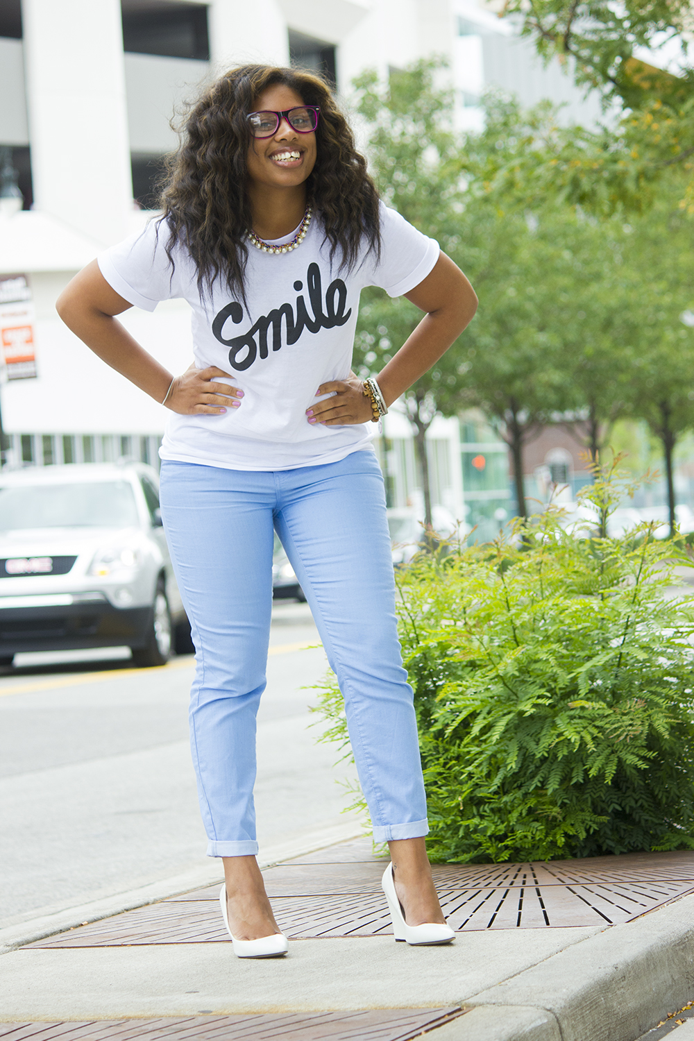 Graphic White Tee and Colored Skinny Jeans 5